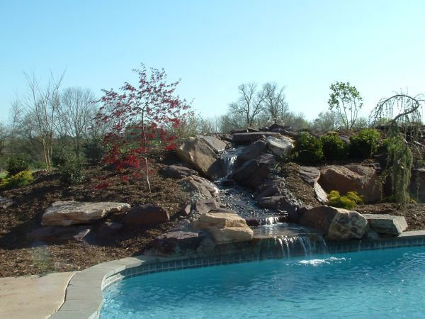 5 Seamless Ways to Integrate a Retaining Wall into Your Pool Project