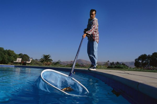 Will My Fiberglass Pool Require a Weekly Service Company?