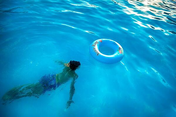 Choosing the Right Robotic Pool Cleaner for Your Pool