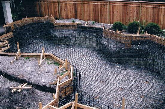 steel rebar in concrete pool construction