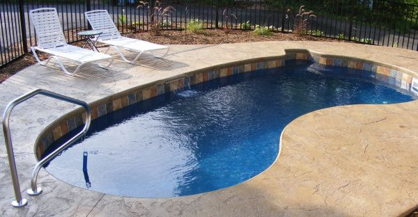 12x24 kidney-shaped fiberglass pool