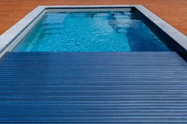 automatic pool cover fiberglass pool