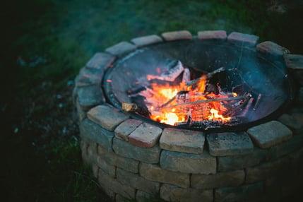 DIY brick fire pit
