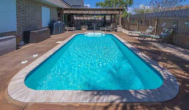pool with sand filter