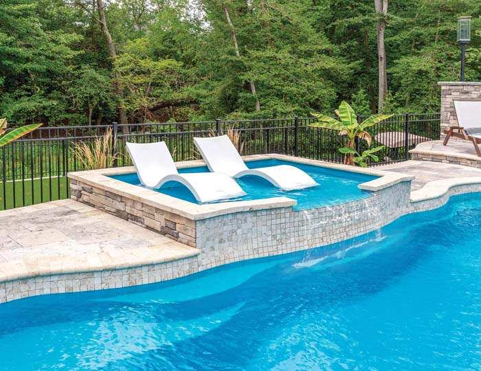 Equipment-Accessory_Tanning_Ledge_Splash_Pad_TheOpal_Curved-Gallery_1