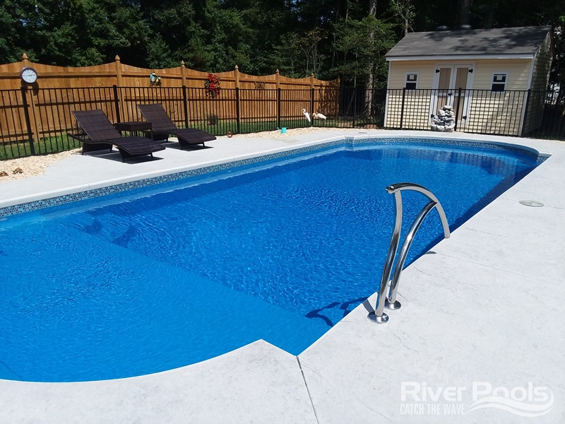 Roman-end L36 fiberglass pool (with tanning ledge)