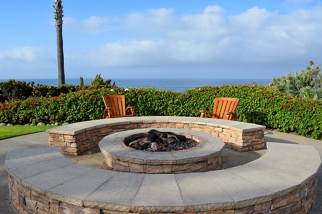 Fire pit for pool - what is a cocktail pool?