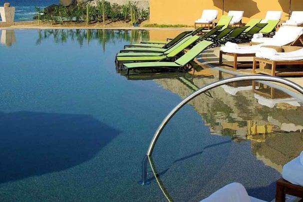 gray pebble dark bottom pool
