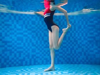 plunge-pool-underwater-exercise-resistance-1