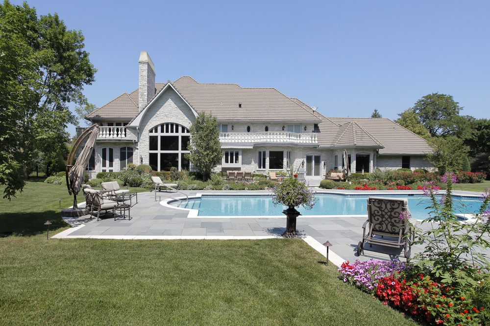 6 Things You Must Know Before You Buy an Inground Pool
